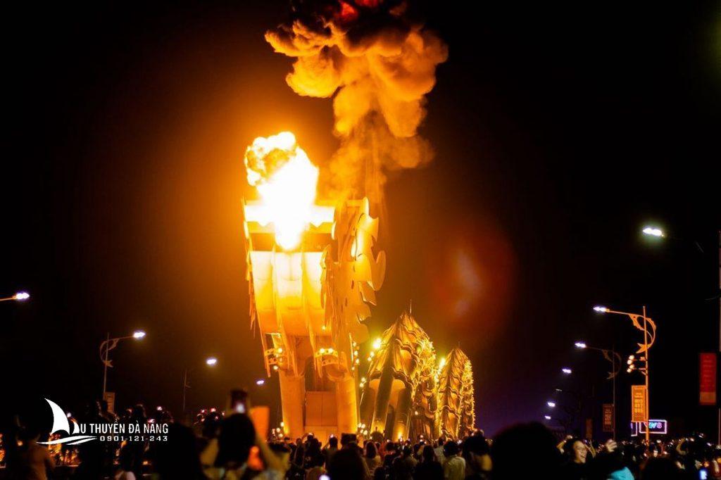 Cầu Rồng phun lửa vào cuối tuần