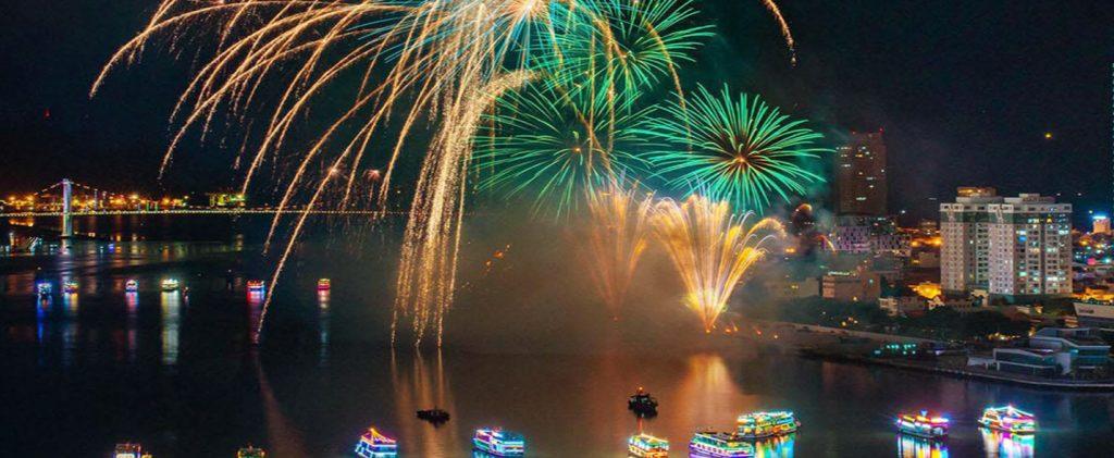 Du thuyền sông Hàn Đà Nẵng phục vụ lễ hội pháo hoa